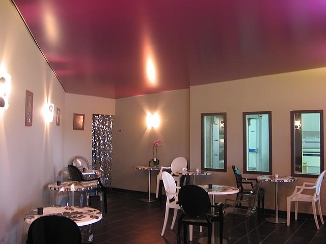 Plafond tendu climaclick peinture frehel deco morbihan - Salon esthetique vannes ...