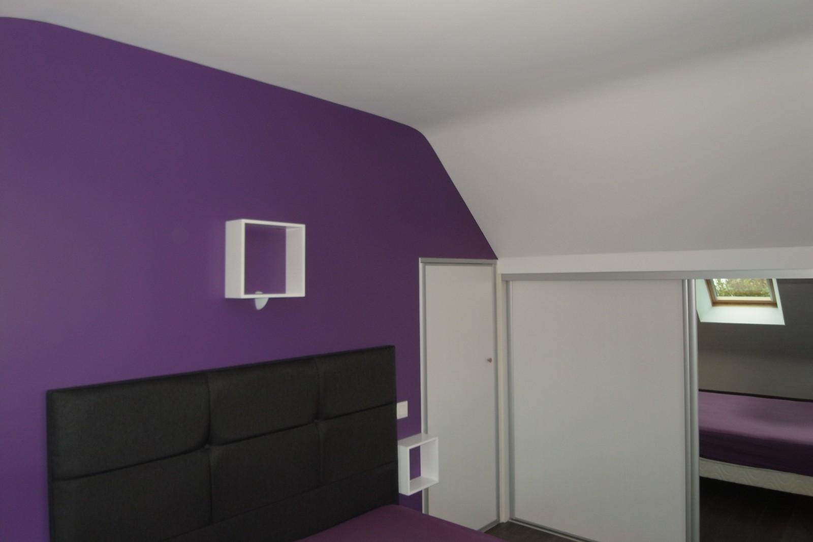 Chambre a coucher croco 063901 la - Peinture violette pour chambre ...